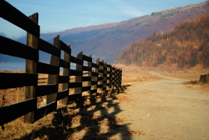 1385771_country_fence